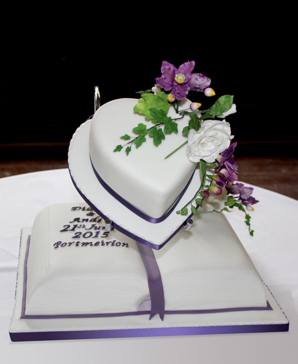 Wedding Cake Indian Love Birds