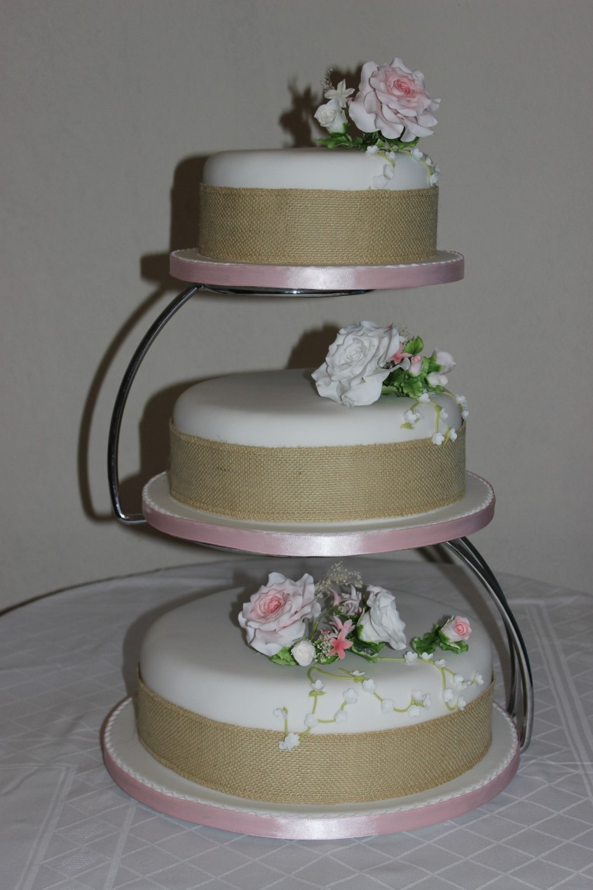 EJC_M_Hirst_Wedding_Cake