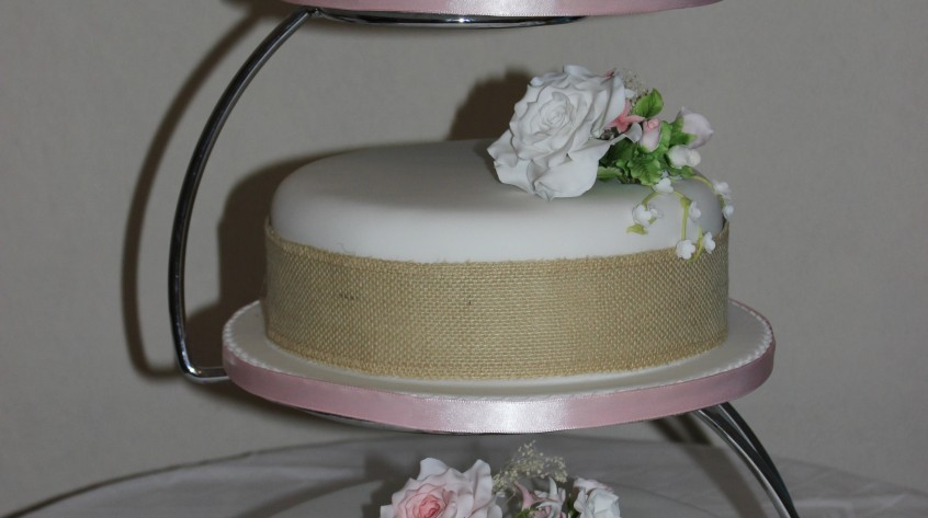 EJC_M_Hirst_Wedding_Cake