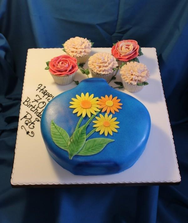 Flowers in Vase Cake