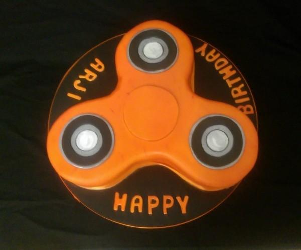 Fidgit Spinner Cake