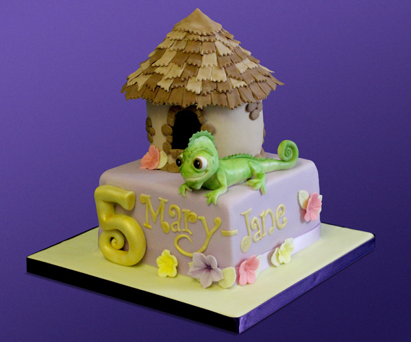 Tangled - Pascal Cake