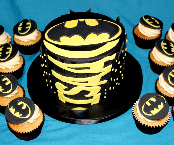 Batman Sign Cake & Cupcakes
