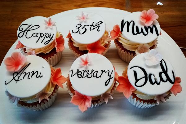Parents Wedding Anniversary Cupcakes!