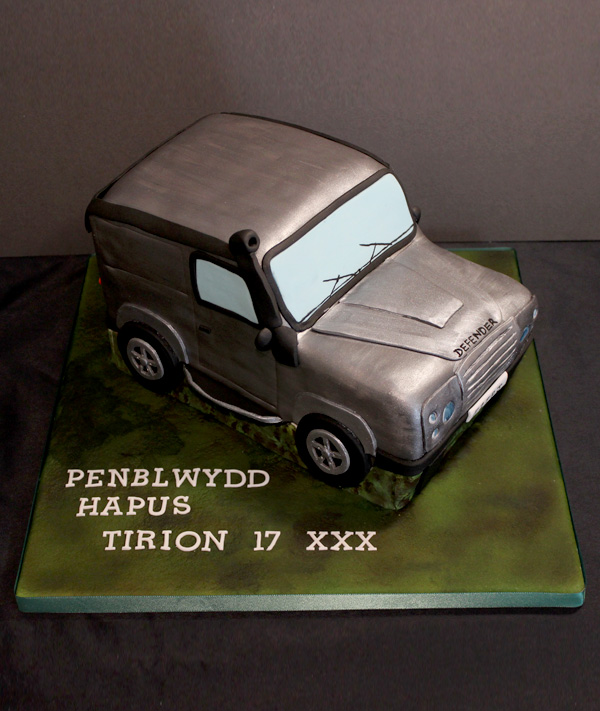 17th Landrover Defender Cake