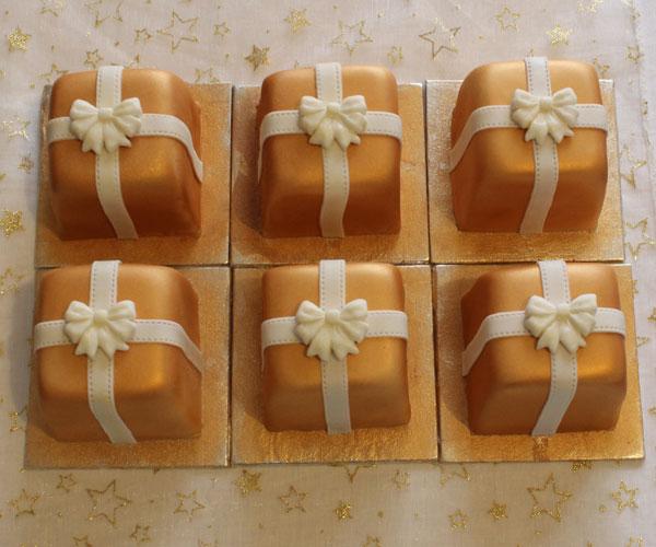 Mini Christmas Gold Present Cakes